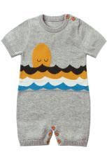 Gri Çok Güzel Utangaç Güneş Desenli Örme Tişörtlü Bebek Romper