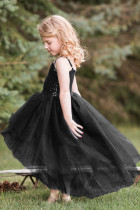 Abito hi-low in tulle nero con corpetto di paillettes