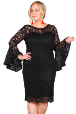 Svart Plus Size Flared Sleeve Lace Dress