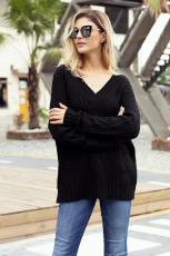 Kabel Hitam Rajutan Sweater V Neck
