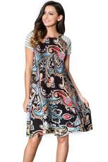 Черное ретро-платье в полоску с коротким рукавом в полоску