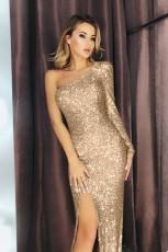 Kanîreşa Keviyê Pêşkêşkek Duçer a Pîrekî ya Slit Sequin Gown
