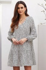 Hvit Leopard Ruffle v-hals Flowy løs tunika kjole