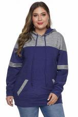 Blå fargeblokk pullover hettegenser i større størrelse med lomme