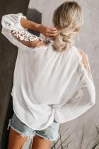 Λευκή τυπική μπλε φόρεμα προσκλητήρια