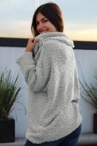 Серый удобный свитер с открытыми плечами