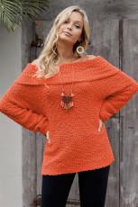 Удобный свитер с открытыми плечами