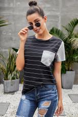 Sort stripet kortermet kontrastfarget T-skjorte med lomme