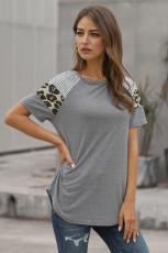 Grijs gestreept dames T-shirt met korte mouwen en luipaardprint