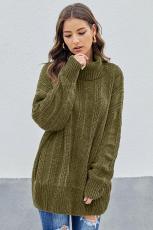 Зеленый мягкий свитер синели