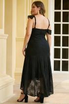 Sort asymmetrisk Ruffle skulder Design Plus Lace kjole i størrelse
