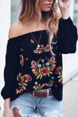 Черная блузка с длинным рукавом и вышивкой с открытыми плечами