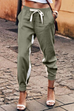 Pantaloni verdi con coulisse a righe casual