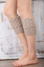 Бежевые вязаные носки-гетры