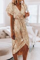 فستان ترتر ذهبي برقبة على شكل V