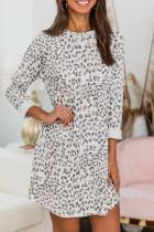 ليوبارد طباعة طاقم الرقبة طويلة الأكمام فستان قصير