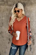Teplý pletený top s oranžovým kontrastem