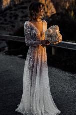 عميق الخامس الرقبة طويلة الأكمام الترتر فستان زفاف طويل