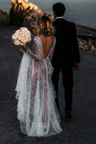 Deep V Neck Gaun Panjang Payet Tulle Pernikahan