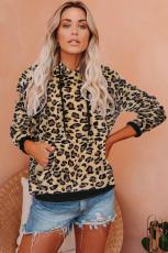 Leopard Kangaroo Pocket Plushie com capuz