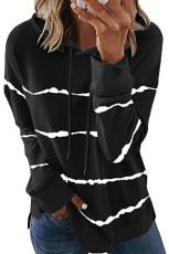 Felpa nera con cappuccio e coulisse a righe tie-dye con spacco laterale
