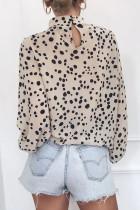Бежевая модная блузка с принтом на рукавах-фонариках с воротником-стойкой