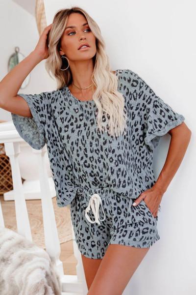 Šedá leopardí sada s krátkým pyžamem s válcovaným rukávem