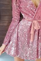 فستان سهرة وردي ترتر عميق على شكل V كم طويل مع ربطة الخصر