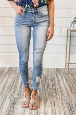 Рваные джинсы со средней посадкой