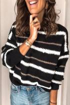 Černý pruhovaný svetr s volným střihem
