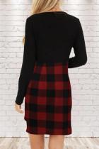Черное мини-платье с длинными рукавами и сборками в красный плед с рюшами