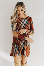 Mini rochie cu mâneci lungi cu gât rotund