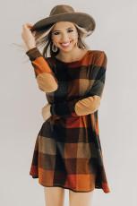 Mini rochie cu mânecă lungă, cu gât rotund, în carouri