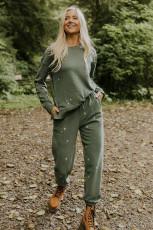 Grønn brodert kryss mønsterstrikket genser og joggesett