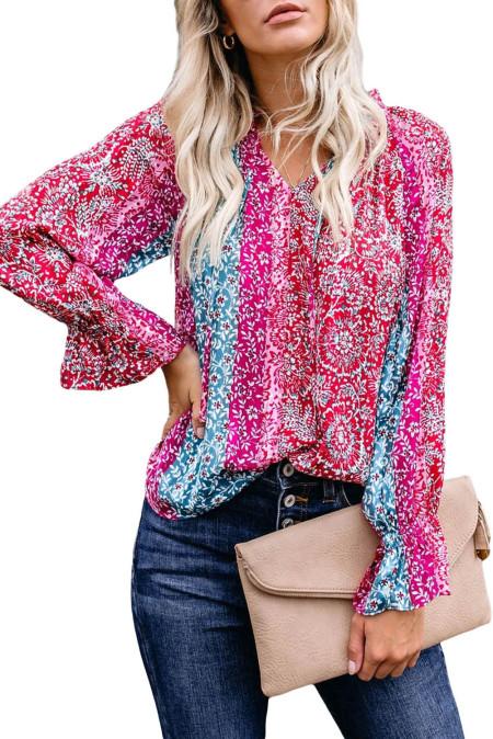 Blusa estampada con cuello dividido rosa