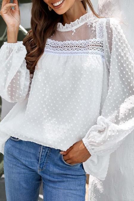 Белая блузка с пышными рукавами в горошек в швейцарский горошек с оборками